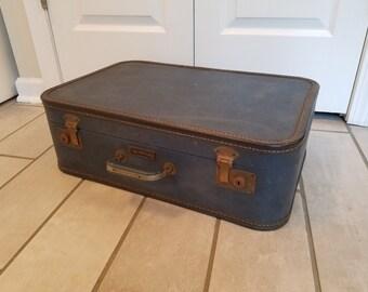 Vintage Suitcase Travel Pet Bed -Medium (Dark Blue)