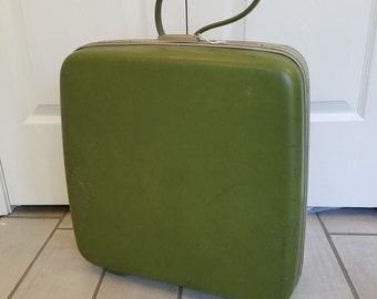 Vintage Suitcase Travel Pet Bed - Small-Medium (Green)