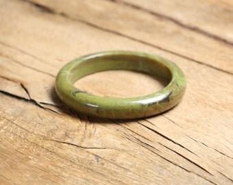 Vintage Bangle Green, Lucite, Bracelet