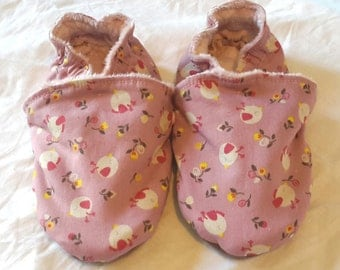 Filled slippers, size 26, small reasons birds