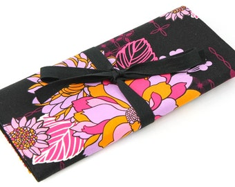 Short Knitting Needle Organizer Case - Hot Blossom - 24 black pockets for circular, double pointed, interchangeable or travel