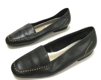 90's Vintage Black Studded Leather Loafer 6.5