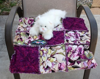 Cat Bed, Cat Blanket, Cat Quilt, Plum Cat Blanket, Cat Bedding, Pet Bedding, Pet Accessories, Fabric Cat Bed, Luxury Cat Bed, Small Dog Bed