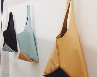 13in Origami wedge - pale peach and charcoal