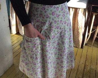 Clover Apron/Vintage Pink Clover Cotton Floral Apron