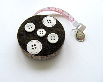 Retractable Tape Measure With White Buttons Pattern Measuring Tape
