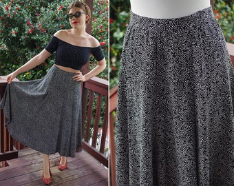 """Dotted & SWIRLED 1980's Vintage Black + White Light Rayon Skirt // by Liz CLAIBORNE // size Small Waist 26"""""""