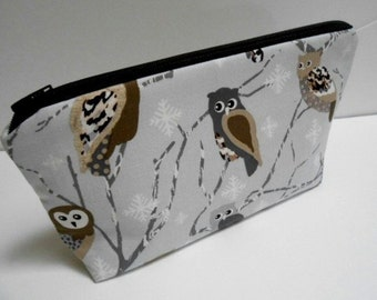 Owls Flat Bottom Cosmetic Bag Zipper Pouch ECO Friendly Padded NEW Shades of Silver Owls
