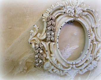 vintage wedding earrings . hi end gold filled and rhinestones articulated leaves . pierced post earrings