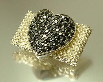 Vintage/ estate jewelry modernist, mesh sterling silver and black cz heart ring - size O