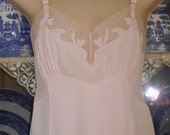 Free Shipping...Vintage Sears Pink Full Slip Women Sz 38