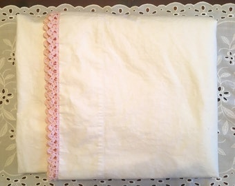 Vintage Cotton Muslin Flat Sheet with Pink Crochet Trim - Cottage Chic - Cannon Muslin - Cotton - 1950 Bedding  - Pink Romantic Bedding Full