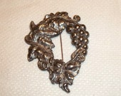 The Fox and the Grapes Brooch Stamped Silver Tone Metal ,Vintage Pin ,good condition