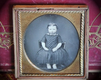 Antique - Early Daguerreotype Unusual Portrait of a Child, Young Girl,  1850s (Sixth 1/6 Plate)