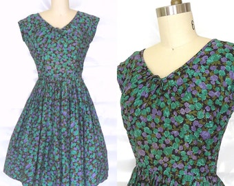 Vintage 1950s Dress/ 50s Floral Dress Sz M Lilac and Jade Green 50s Cotton Day Dress