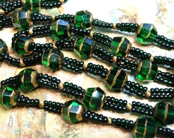 37 inches Vintage Green Glass Beads Supply 1930s Beads