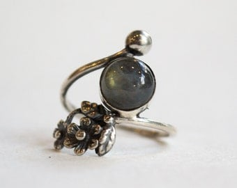 Silver ring, labradorite ring, nature ring, thin silver band, floral ring, unique ring for her, delicate ring, dainty ring - Intricate R2262