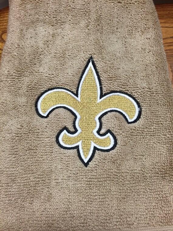 Fleur de lis embroidered hand towel - Fleur de lis bath towels ...