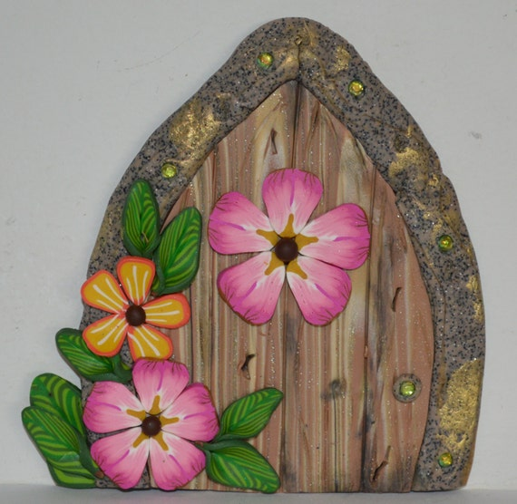 Fairy door pretty pink fairy garden fairy decor by polymerpame for Pink fairy door