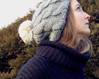 cabled beanie in grey