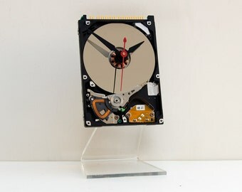 computer geek gift clock, unique apple gift clock, industrial style home decor, steampunk clock, Recycled Computer Laptop Hard Drive Clock