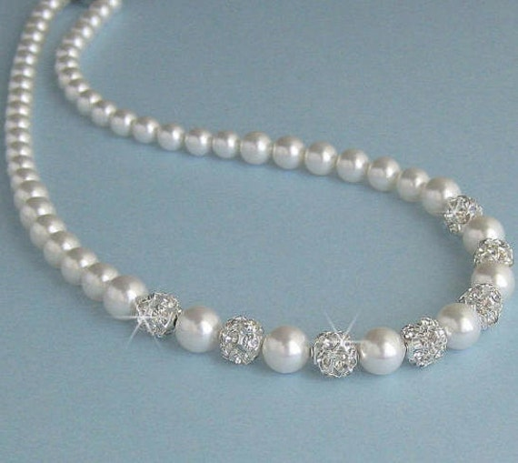 Single Strand Pearl Necklace: Pearl Wedding Necklace Bridal Necklace Single Strand Pearl