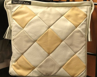 Unusual one-of-a-kind new/unused shoulderbag of creame white, light beige and light brown skin/  leather in harlequin pattern and own design
