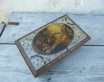 Vintage Antique 1900  French lithograph tin box /  trinket