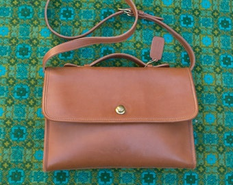 Vintage Coach British Tan Leather Avenue Bag 1980s Push Button and Top Handle Crossbody USA