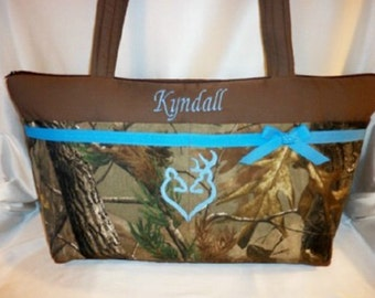 Realtree Wildlife camo diaper bag low sleek 11 pockets Weekender great twins bag dads diaper bag purse for all ages great customize