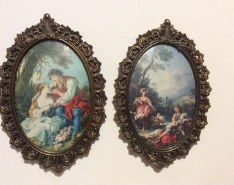 Pair of Vintage Made in Italy Ornate Oval Picture Frames with Convex Glass