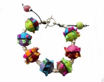 """Bracelet perles """"planètes"""""""
