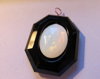 Vintage Antique Black Jet Flatback Can Setting (has a hole at the top too) Pendant