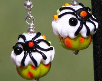 BACK 2 SCHOOL SALE Spider Cakes Halloween Inspired Sra Lampwork Cupcakes DeSIGNeR EarRINgS Trick Or Treat Boo Haunting