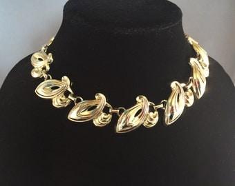 Glamorous Vintage Gold Tone Choker Necklace