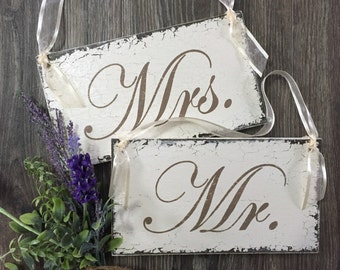 MR and MRS Chair Signs, Wedding Chair Hangers, Bride and Groom Signs, Wedding Signs, 9 x 5