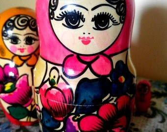 Brightly Colored Set of 5 Russian Nesting Dolls