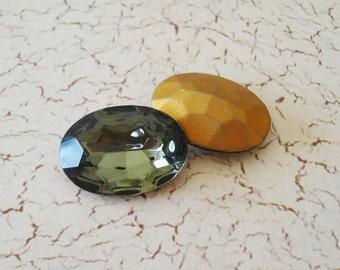 Vintage 25x18mm Black Diamond Gold Foiled Pointed Back Oval Glass Czech Rhinestone Jewel or Cab (1 piece)