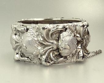 Vintage Repousse Bangle Bracelet Whiting Davis Vargas Hinged Bracelet