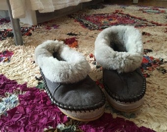 Vintage Gray Shearling Fur Slippers