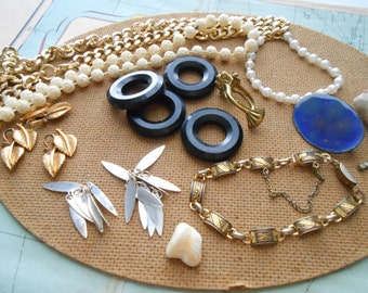20 pc junk jewelry + supplies destash lot - jewelry making supplies, vintage jewelry pieces, artist supplies