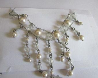 Pearl chocker