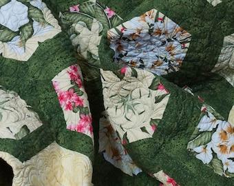 Quilt Modern Floral Bouquet Kaleidoscope Free Shipping