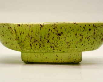 Ceramic planter - green with speckles