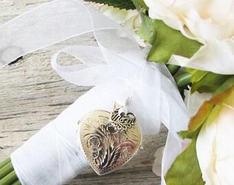 Mom Bridal Bouquet Locket,  Mother of the Bride Locket, Bouquet locket,Silver locket ,In memory of Mom, Brides Gift, Wedding Keepsake