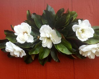Floral Swag.....Magnolia Swag.....Wall Accessory.....Wall Decor