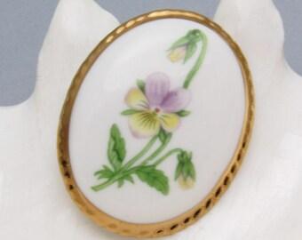 Vintage Flower Brooch Porcelain Jewelry P7185
