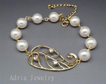 Leaf Bridal Bracelet, Gold Wedding Bracelet, Ivory Pearls Bridal Bracelets, Leaf Bracelets, Gold Bridal Jewelry for Brides T1512041