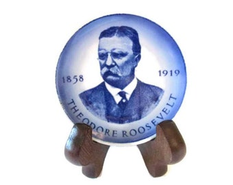 Vintage Theodore Roosevelt small commemorative plate - Royal Copenhagen fajance- 1970s - Easel included