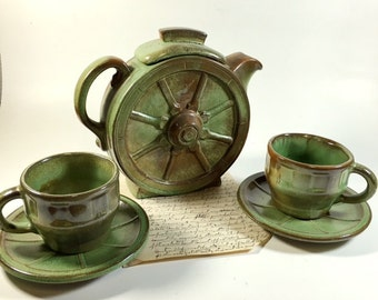 Set of Frankoma Pottery  Wagon Wheel Tea Pot and Cups Prairie Green set of 5 Pieces circa 1940's mid-20th century